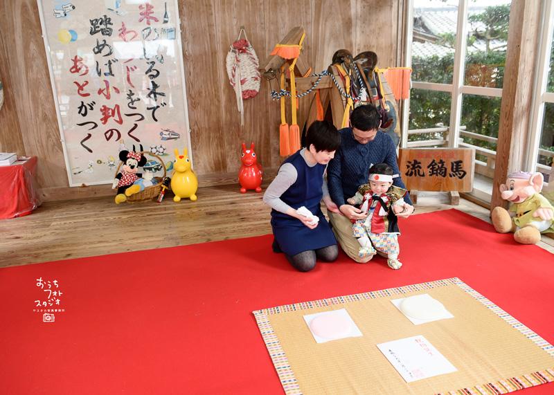 飯盛神社での初誕生日お餅踏(2018年2月)